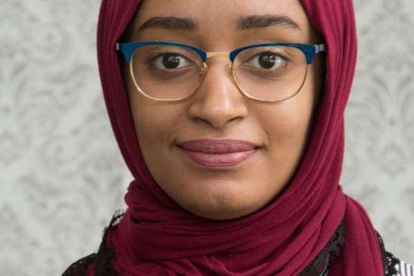Mada Batayib; Student