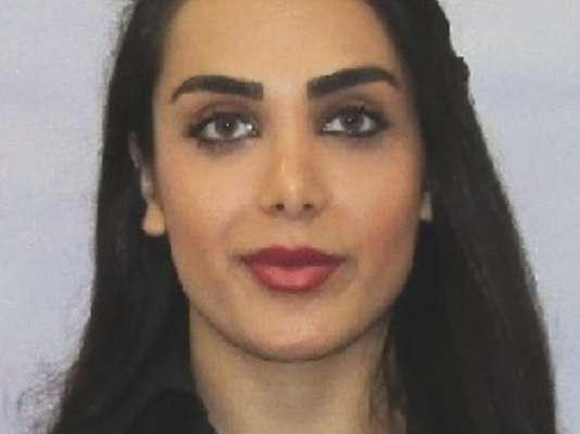 Ana Heshmat, Student